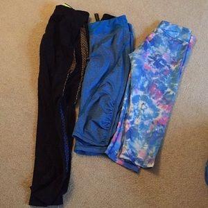 Bundle of crops/leggings 💙